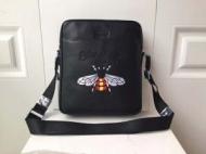 定番にこそ上質ブランド コピー バッグ コピーメッセンジャバッグコピースーパー コピースーパーコピービジネス蜂刺繍スーパーコピー軽量ビジネス