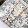 絶大な人気を博する新作 Diorコピー通販 上品で大人っぽい印象洗練されたデザイン   ディオールスーパーコピーネックレス 海外セレブの愛用者も多い