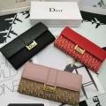 冬ファッションの定番  ディオール DIOR 季節感溢れる秋らしいコーデ 3色可選 財布/ウォレット 秋冬ファッションを明るくなる