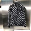 LOUIS VUITTON華やかに魅せる秋冬コーデ  ルイ ヴィトン 肌寒い季節に欠かせない ブルゾン 冬ファッションの定番