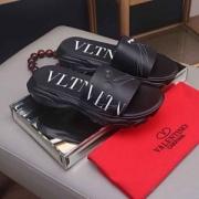 ヴァレンティノ サンダル コーデ メンズ 上品な雰囲気が感じられる限定新作 コピー VALENTINO ブラック カジュアル 品質保証