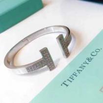 着こなしを華やぐ新作 ブレスレット Tiffany & Co コピー ティファニー アクセサリー 安い ゴールド シルバー ブランド 先行通販enshopi.com sn:CyC0fC-1