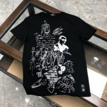 半袖Tシャツ 2色可選 2020年春限定 フェンディ今なお素敵なアイテムだ  FENDI 今年の春トレンドenshopi.com sn:1zSjGr-1