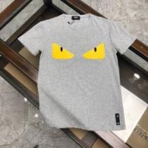 普段見ないデザインばかり 半袖Tシャツ2色可選  春夏コレクション新品 フェンディ FENDIenshopi.com sn:TfWDqe-1